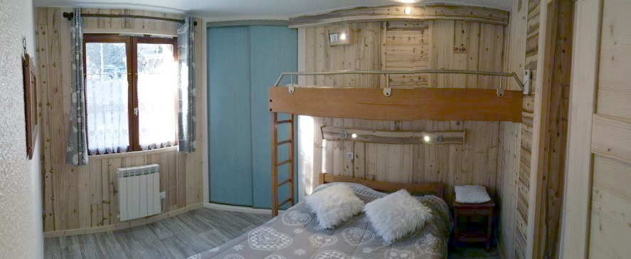 Description : Description : Description : Description : D:\Mesdocuments\Private\3- Chalet\site et image\images toutes\IMAGE christiania\F5 N°5 new 2014\F5 1e chambre resize.jpg